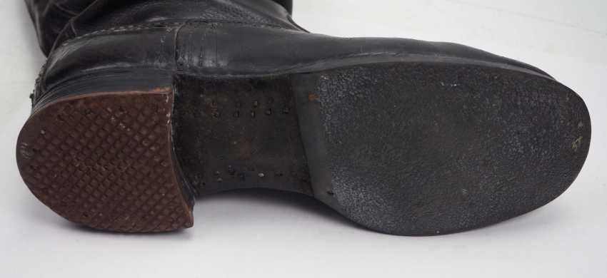 Soviet Union: Black pair of leather boots. Black leather - photo 3
