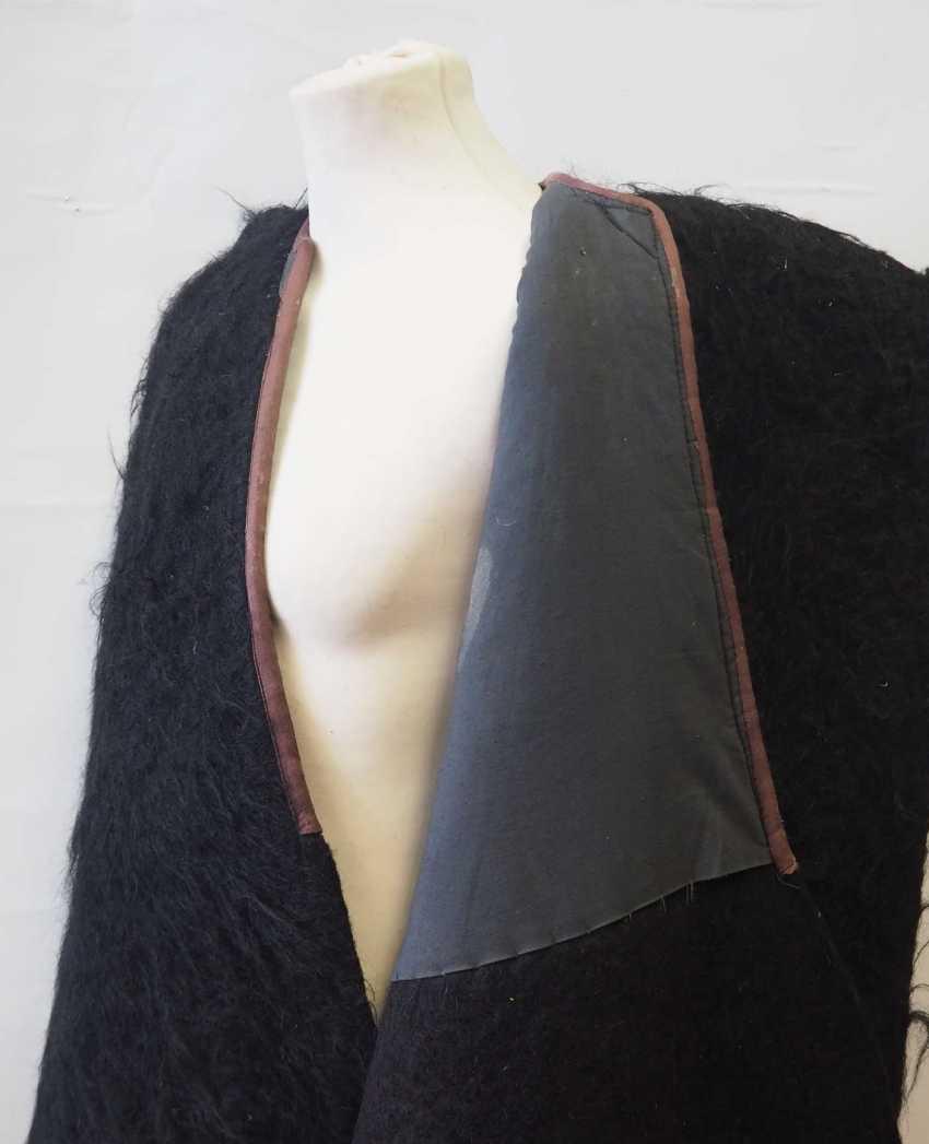Caucasian: Nabadi. Lambskin cape - photo 3