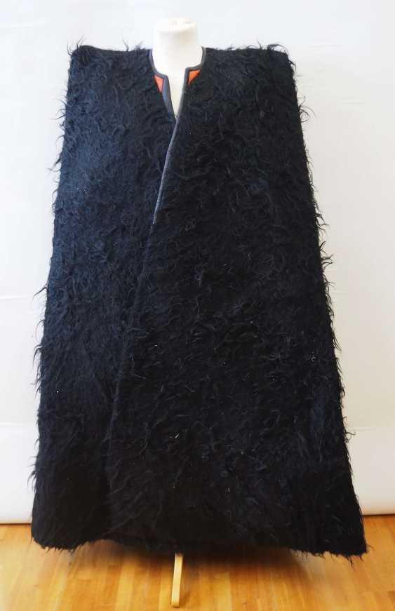 Caucasian: Nabadi. Lambskin cape - photo 1