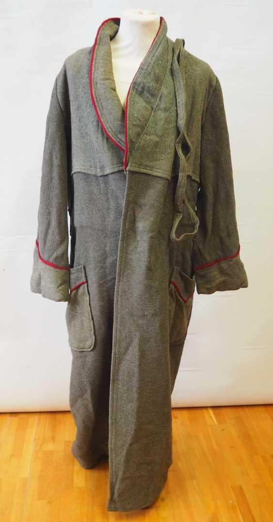 Caucasian: gray cape. Gray - photo 1