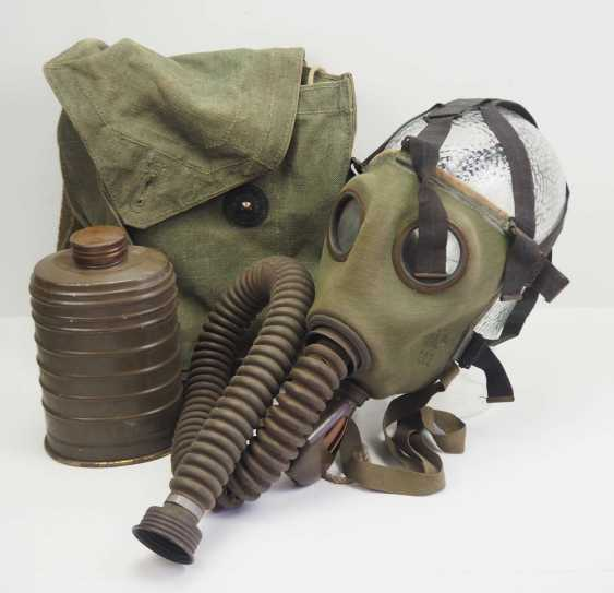Poland: gas mask in pocket. Gas mask with hose and filter - photo 1