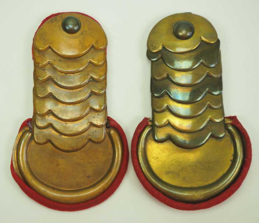 Russia: pair of epaulettes for a cavalry officer. Brass - photo 1