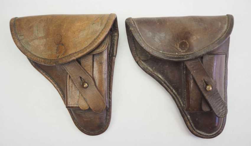 Czech Republic: pistol pouch - 2 copies. Each leather. Condition: II - photo 1