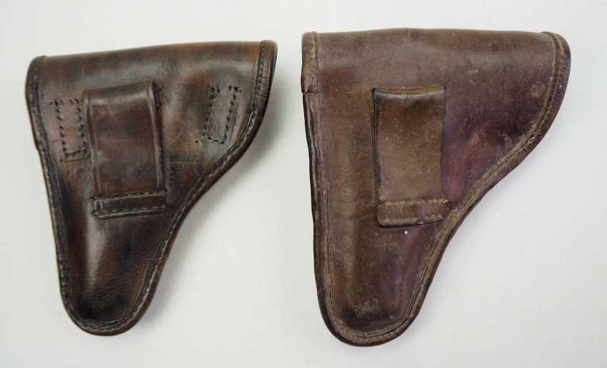 Czech Republic: pistol pouch - 2 copies. Each leather. Condition: II - photo 4