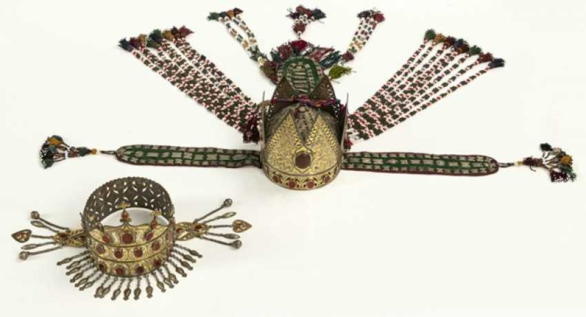 Two crown-like headgear made of silver with carnelian trimmings, partly gold-plated - photo 4