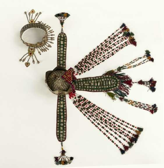 Two crown-like headgear made of silver with carnelian trimmings, partly gold-plated - photo 8