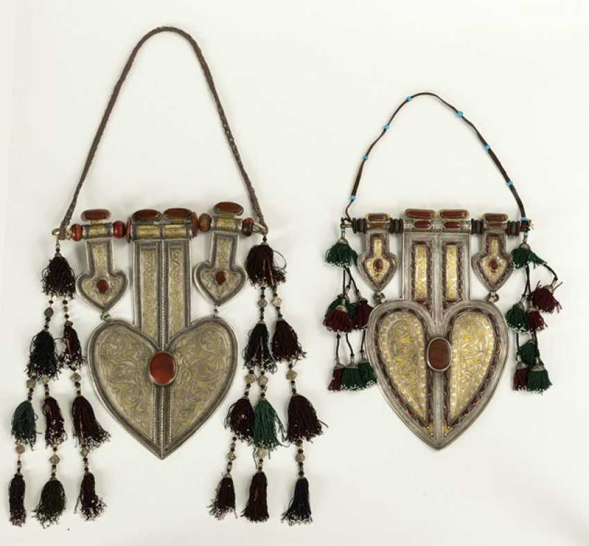 Two unusually large, heart-shaped pendants made of silver with partial gold plating and stones - photo 3