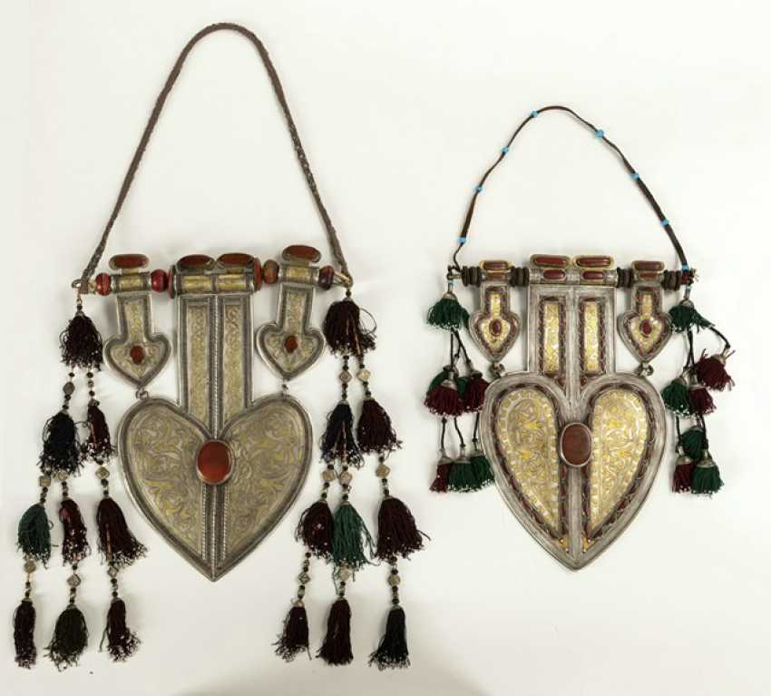 Two unusually large, heart-shaped pendants made of silver with partial gold plating and stones - photo 4