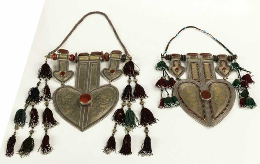Two unusually large, heart-shaped pendants made of silver with partial gold plating and stones - photo 5