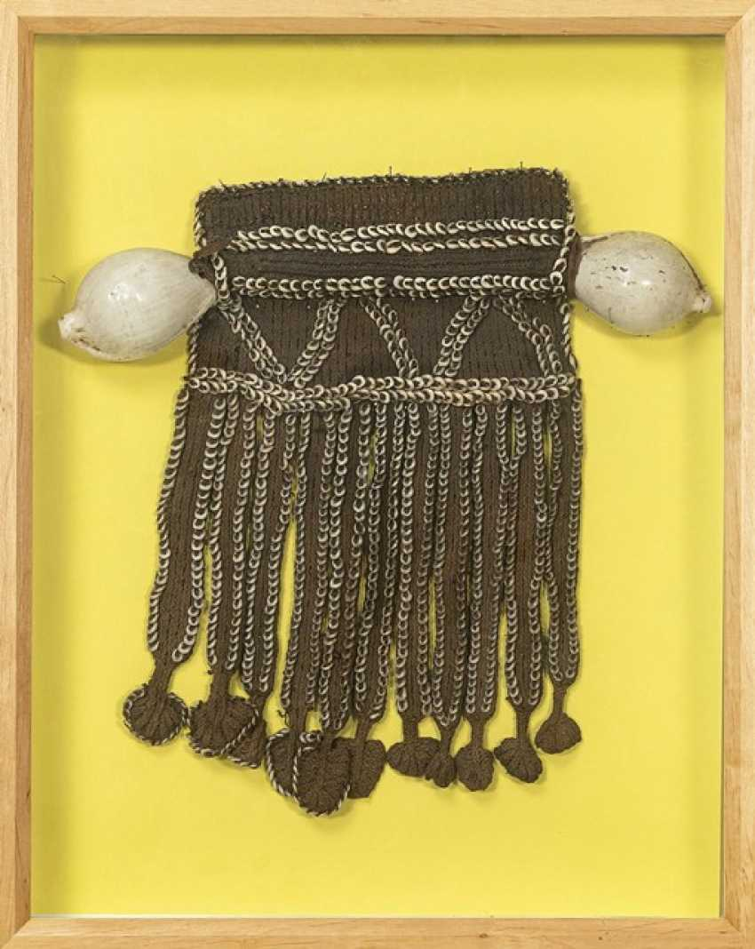 Грудная часть Formosa, плетение из ракушек насса и каури с обеих сторон - фото 1