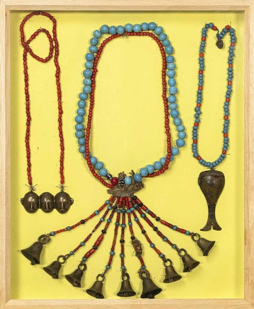 Group of chains, partly made of glass and coral, partly with bronze pendants - photo 1