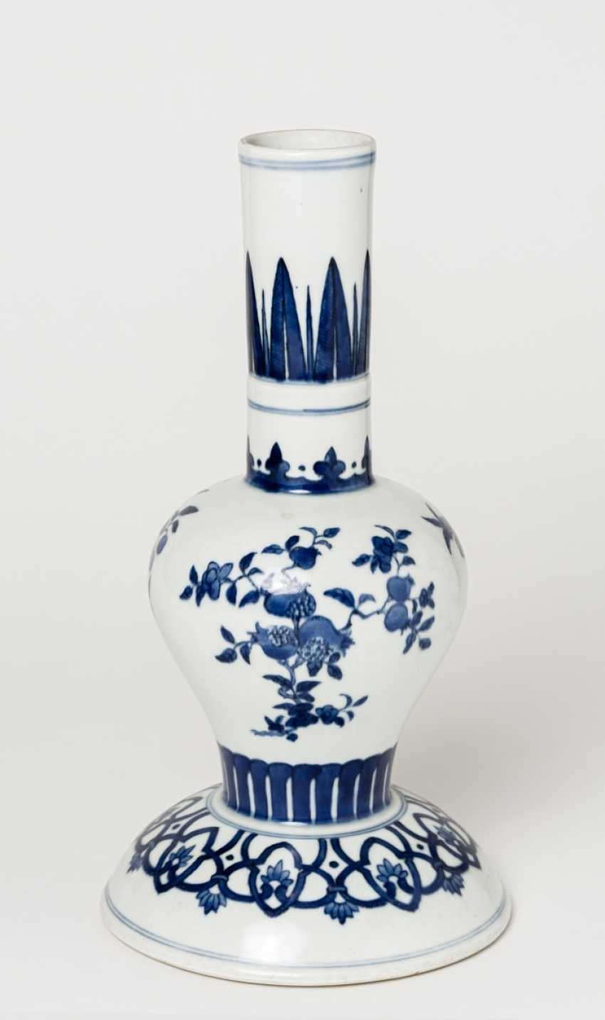 BLUE AND WHITE FLOWER VASE - photo 1