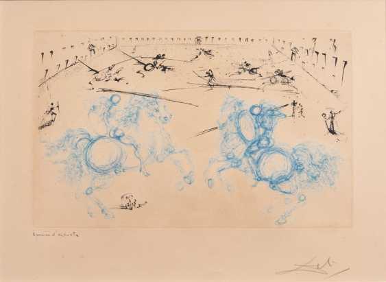 Salvador Dali (Figueres 1904 - Figueres 1989). Combat des Cavaliers - photo 1