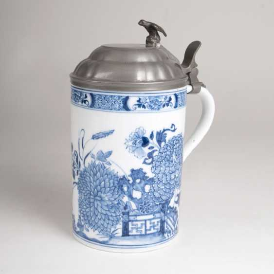 Earlier pitcher rolls with East Asian blue painting - photo 1