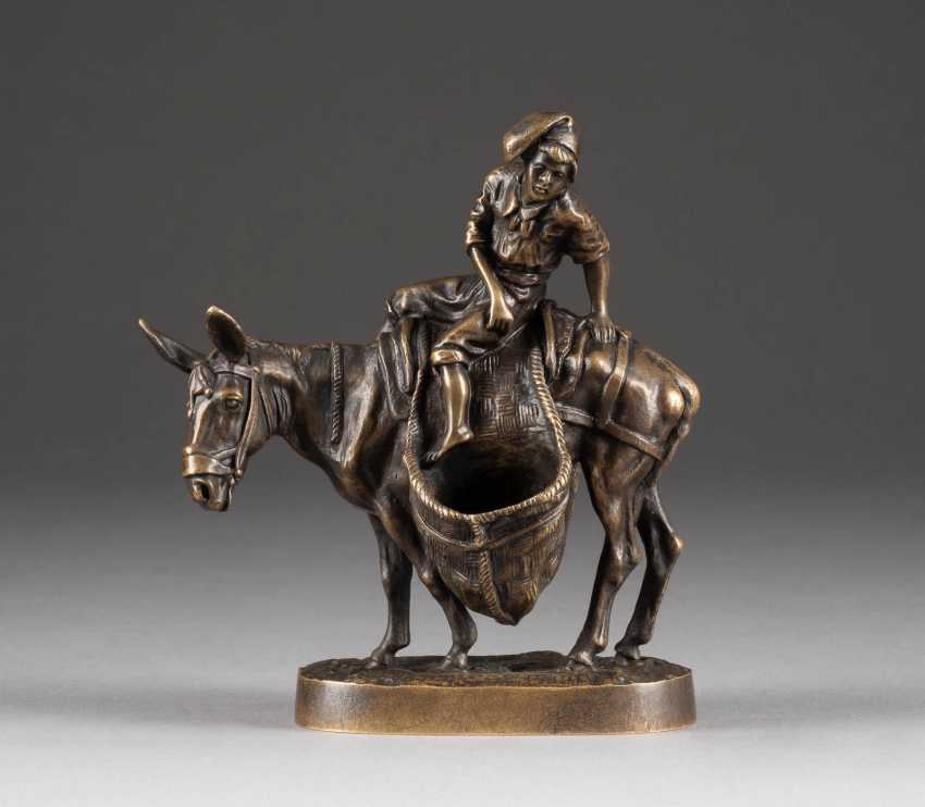 JEVGENIJ ALEXANDROWTISCH LANCERAY 1848 Morshansk - 1886 Kharkiv NEAPOLITAN DONKEY RIDER around 1900 bronze - photo 1