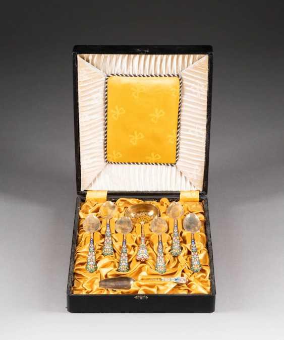 EIGHT-PIECE CLOISONNÉ ENAMEL TEA CUTLERY 2nd half of the 20th century silver - photo 2