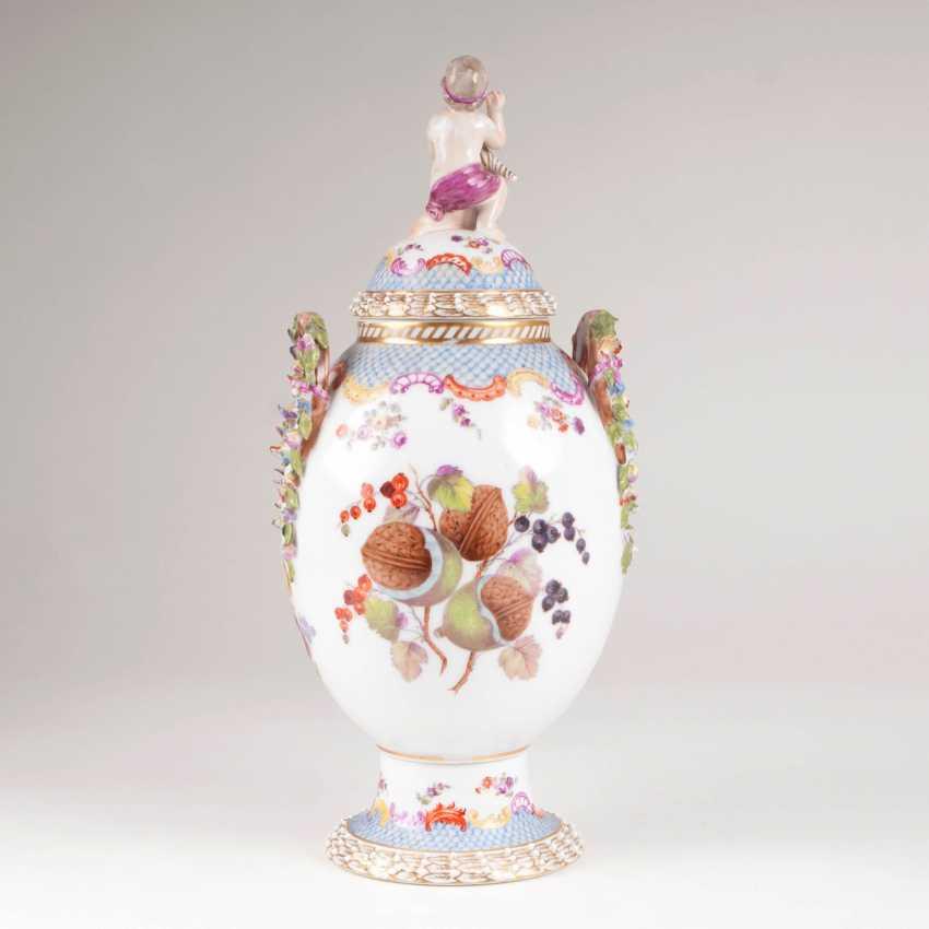 Decorative cover vase with squirrel - photo 3