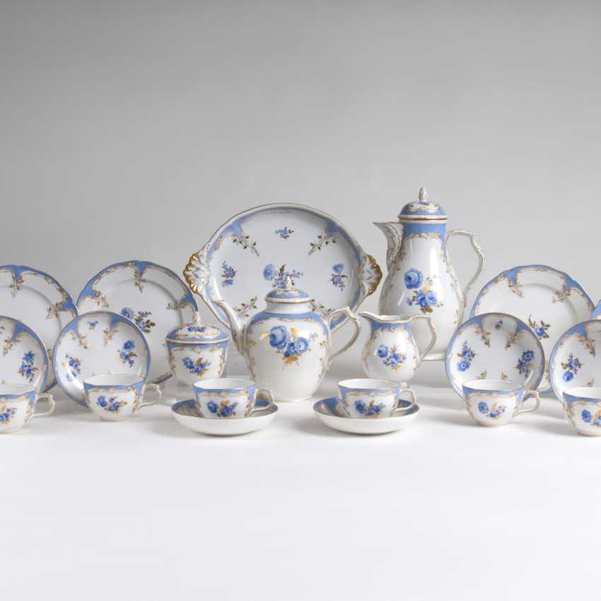 Coffee and tea service 'Bleu mourant' for 12 persons - photo 1