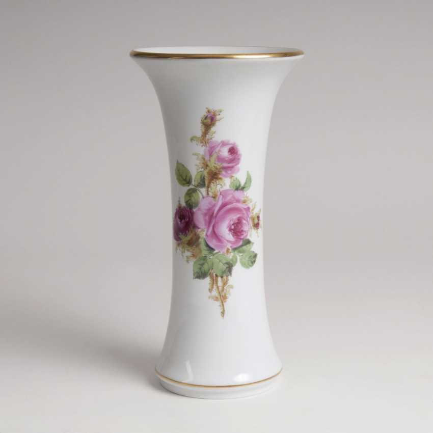 Trumpet vase with rose painting - photo 1