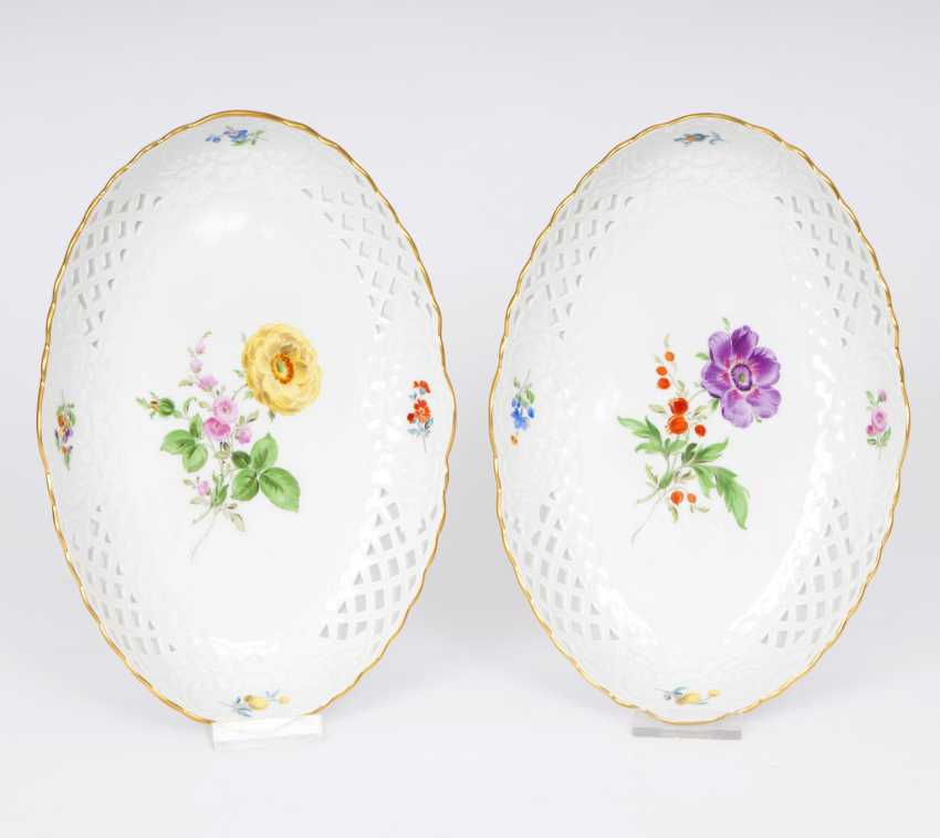 Pair of bowls with the breakthrough edge and flower painting - photo 1
