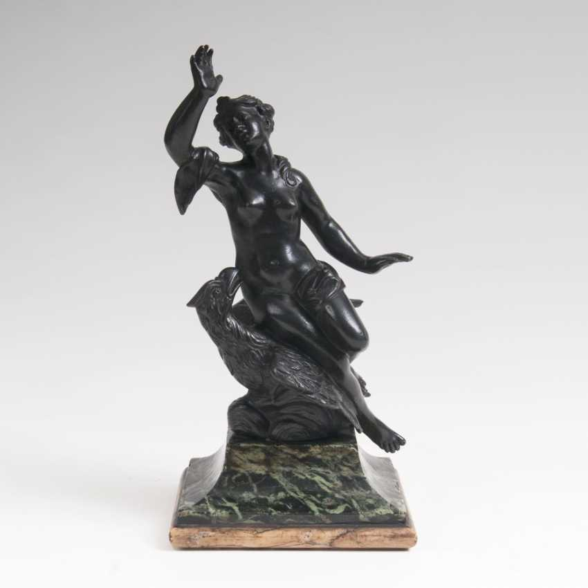 Bronze sculpture 'Hebe and the eagle of Zeus' - photo 1