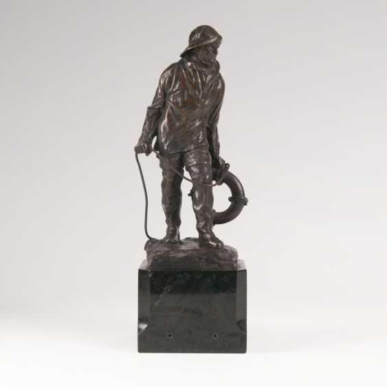 Paul Ludwig Kowalczewski (Mieltschin 1865 - Berlin, 1910). Bronze sculpture, 'fishermen with a rescue ring' - photo 1