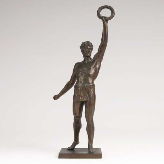 Sculpture 'Athletic winner with a Laurel wreath' - photo 1