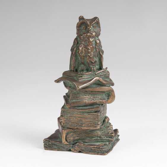 Rainer Hercks (Augsburg 1951 - Großaitingen near Augsburg, 2005). Bronze Sculpture 'The Wise Guy' - photo 1