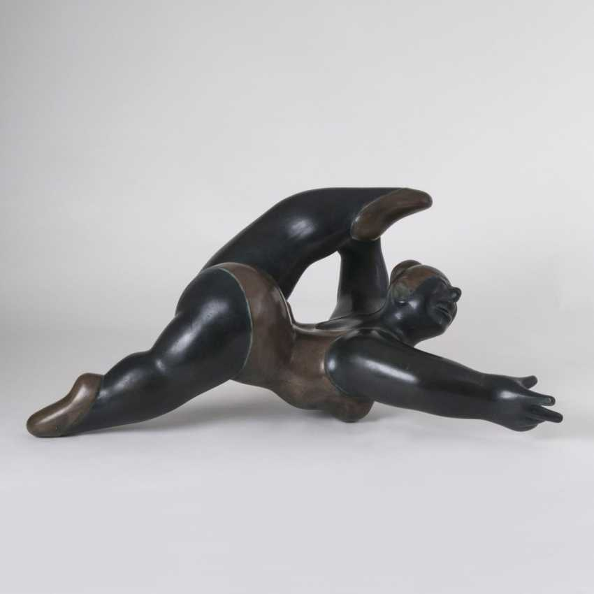 Gabriele Wanner (Stuttgart, 1936). Bronze Sculpture, 'Acrobat' - photo 1