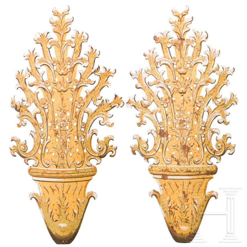 A pair of large, unusual appliqués in the Rococo style, Italy, 18th / 19th century. century - photo 4