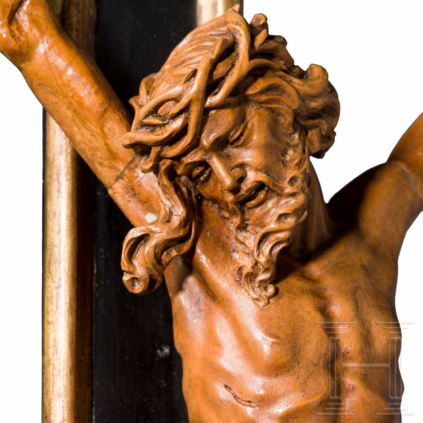 Fine, imposing Rococo standing crucifix with a front zappler, Austria / South German, around 1760 - photo 2