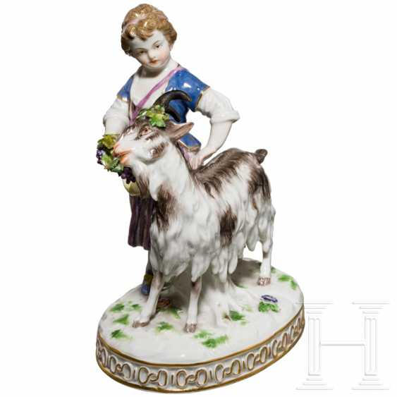 Fine porcelain group girl with goat, Meissen, 19th century - photo 1