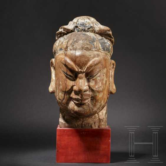 Imposing head of a high-ranking official, China, Ming dynasty, 16th / 17th century - photo 1