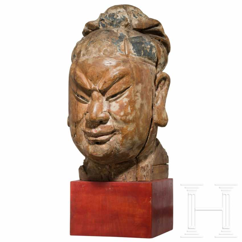 Imposing head of a high-ranking official, China, Ming dynasty, 16th / 17th century - photo 2