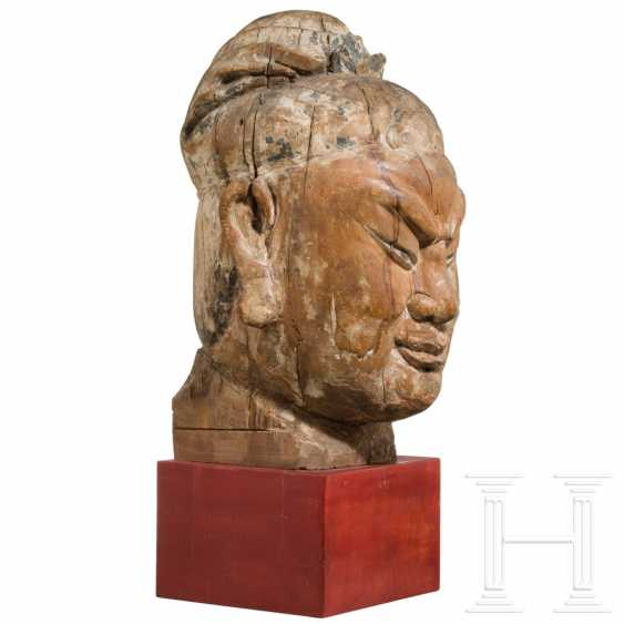 Imposing head of a high-ranking official, China, Ming dynasty, 16th / 17th century - photo 4