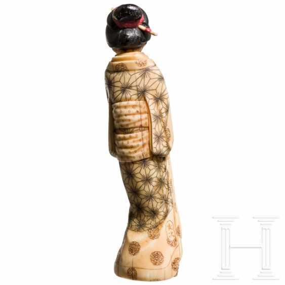 Okimono einer Geisha, Japan, Meiji- / Taisho-Periode - photo 3
