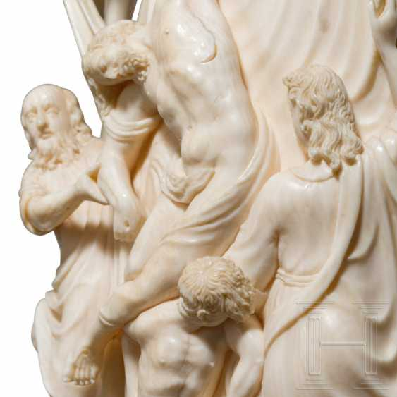 Impressive large ivory group depicting the Descent from the Cross, Dieppe, 18th century - photo 5