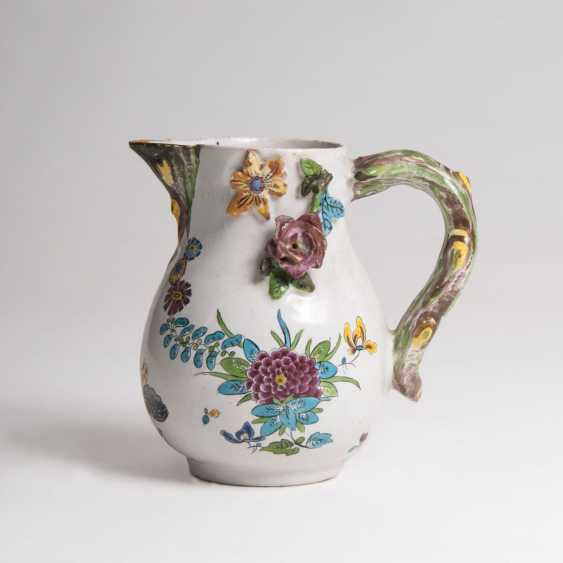 Faience jug with Asthenkel - photo 1