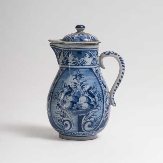 Small faience Birnkrug with blue painting - photo 1