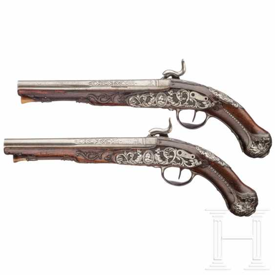 A pair of cut percussion pistols, Italy, around 1760 - photo 2