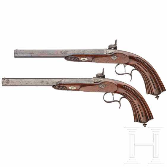 A pair of percussion pistols in a case, Devisme, Paris, circa 1850 - photo 2