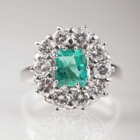 High Quality Vintage Emerald Diamond Ring - photo 1