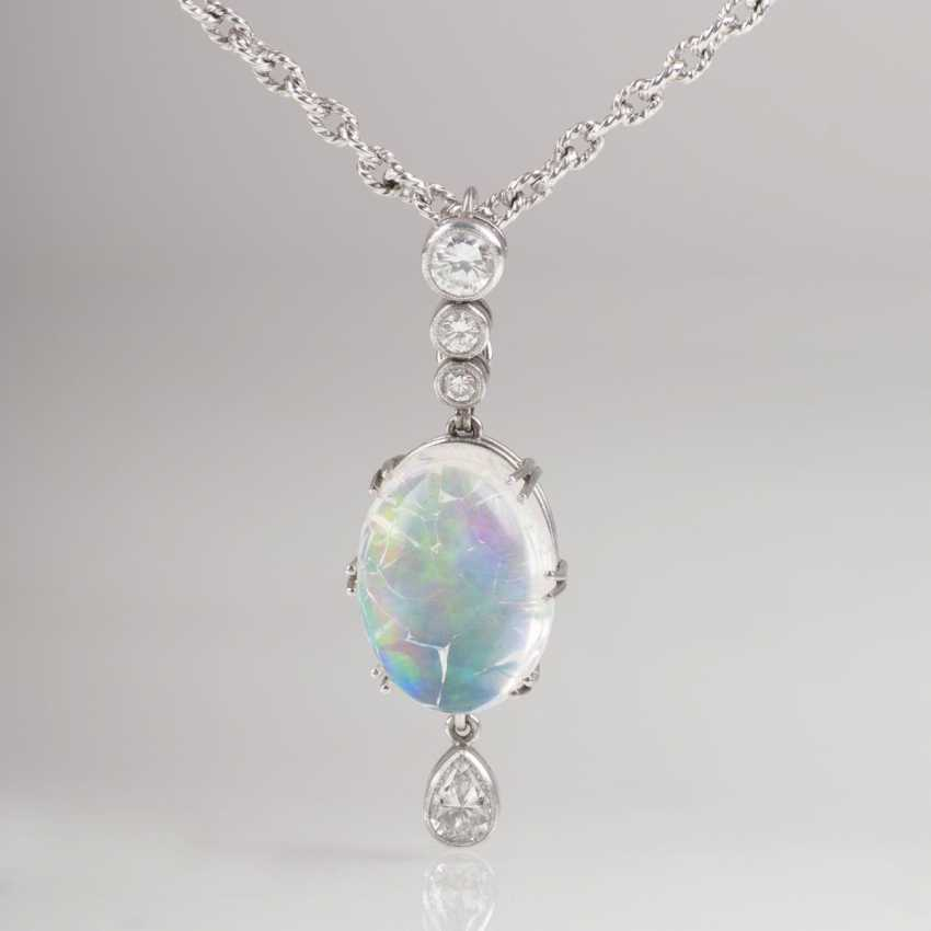 Diamond pendant with chain - photo 1