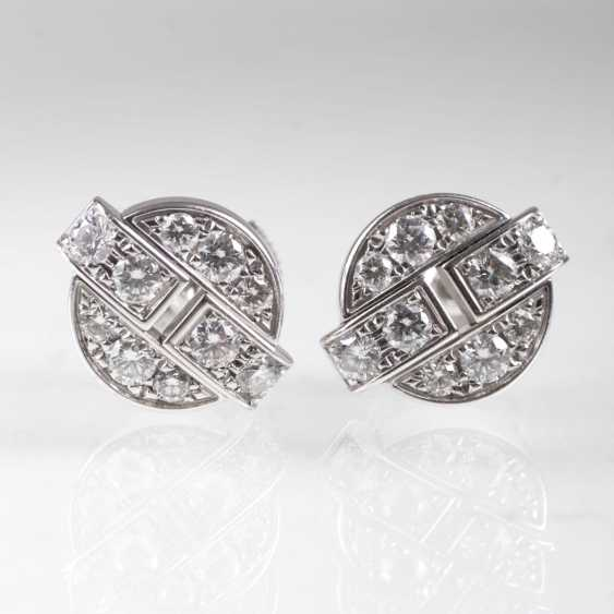 Pair of brilliant stud earrings by Cartier - photo 1