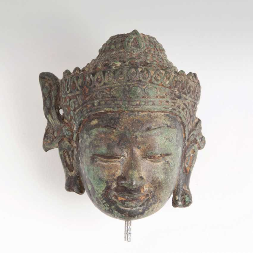 Bronze head of a Buddha in the Ratanakosin style - photo 1