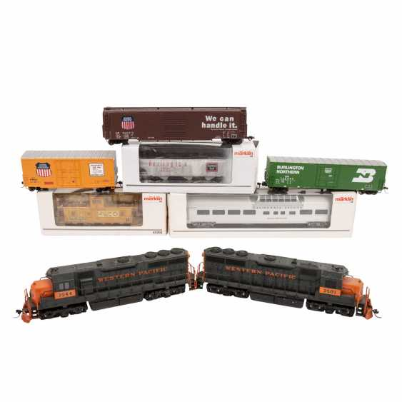 ATLAS / LIFE-LIKE, among other things, a lot of diesel locomotives and freight cars, gauge H0, - photo 2