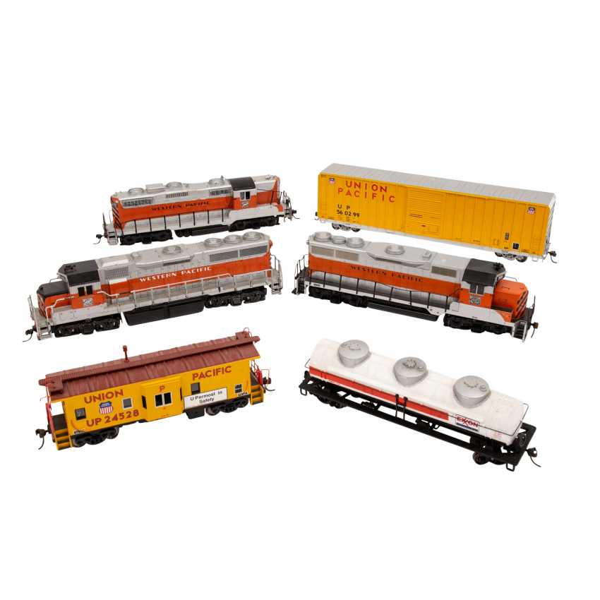 ATLAS / LIFE-LIKE, among other things, a lot of diesel locomotives and freight cars, gauge H0, - photo 3