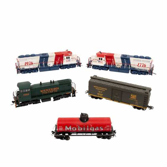 ATLAS / LIFE-LIKE, among other things, a lot of diesel locomotives and freight cars, gauge H0, - photo 4