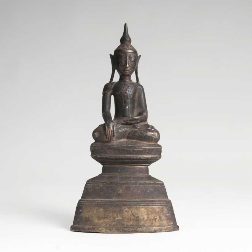 Bronze-Figur des Buddha Shakyamuni - photo 1