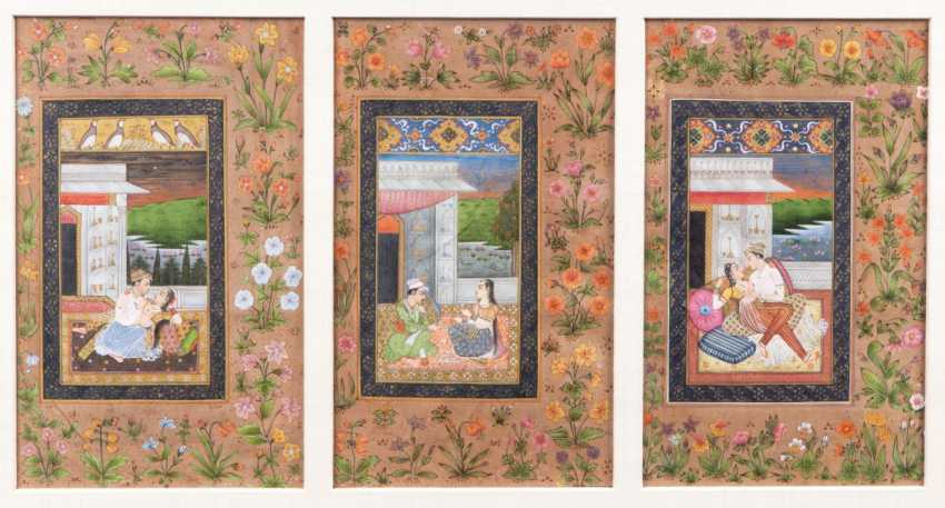 Set of 3 Indian paintings in the Mughal style - photo 1